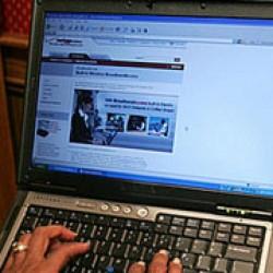 O grupare specializată în infracţiuni informatice, destructurată în Sălaj