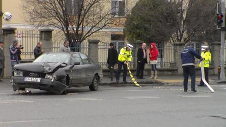 """Accident lângă Colegiul Tehnic """"API"""" din Zalău"""