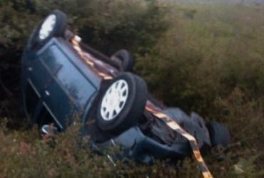 S-a răsturnat cu maşina lângă Sânmihaiu Almaşului