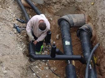 Ratin şi Huseni: Extinderea sistemului de alimentare cu apă este pe ultima sută de metri