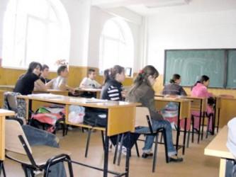 Tot mai puţini elevi în şcolile sălăjene
