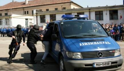 Peste 200 de sancţiuni, aplicate de jandarmi în ianuarie