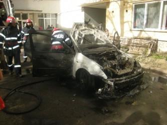 Maşină distrusă de foc la Şimleu Silvaniei