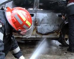 Maşină în flăcări la Zimbor