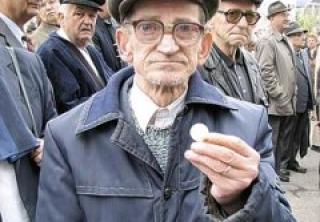 Cei mai săraci vârstnici din Sălaj nu au primit pensii majorate