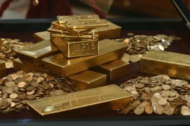 Preţurile metalelor preţioase: Aurul şi argintul s-au ieftinit considerabil, platina şi paladiul s-au scumpit