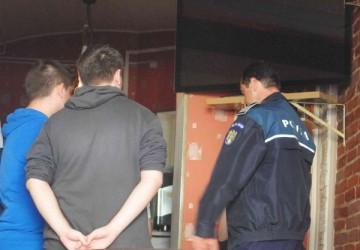 Elevii chiulangii, din nou sub lupa poliţiştilor