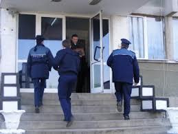 Poliţiştii sălăjeni îşi primesc banii pentru uniforme