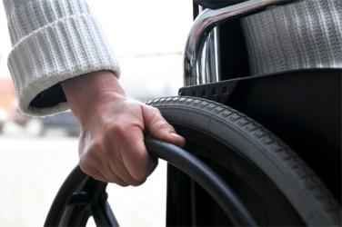 Cu scaunul cu rotile prin oraş, în apărarea mobilităţii