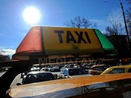 Taximetriştii, în vizorul poliţiştilor şi al inspectorilor RAR