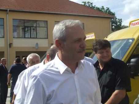 Vicepremierul Liviu Dragnea, prezent în Sălaj la recepţia microbuzelor şcolare