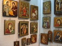 """""""Chipul Credinţei"""" – expoziţie de icoane pe lemn"""