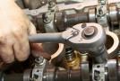 Mecanicii şi electricienii auto, căutaţi de angajatorii străni
