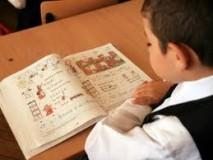 Mai puţine ore de limba română pentru elevii claselor a III-a şi a IV-a