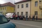 Femeie accidentată pe trotuar