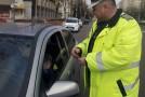 """Şoferiţele din Sălaj, """"amendate"""" cu mărţişoare"""