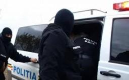 Acţiune în forţă a mascaţilor în zona Sălii Sporturilor din Zalău