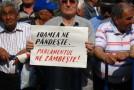 Bătaie de joc pentru milioane de pensionari: Parlamentarii şi-au legiferat PENSIILE NESIMŢITE