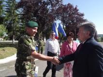 """Emblema de merit """"Acţiuni Umanitare"""" pentru militarii zălăuani"""