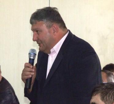 Primarul din Cristolţ, acuzat că joacă murdar în goana pentru un nou mandat