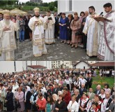 """Sute de credincioşi au participat la sfinţirea Bisericii din cartierul """"Porolissum"""""""