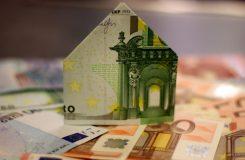 Creditul IFN versus creditul bancar