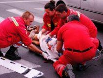 Doi copii au fost accidentaţi după ce au trecut prin loc nepermis