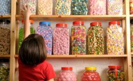 """Copilul şi zahărul – cea mai periculoasă """"prietenie"""""""