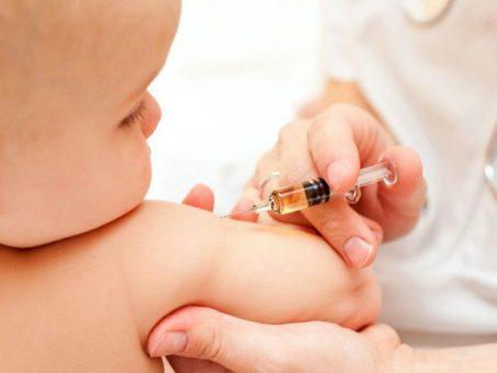 Mii de bebeluşi sălăjeni sunt în pericol!  Ministerul Sănătăţii a reziliat contractul cu distribuitorul de vaccin hexavalent