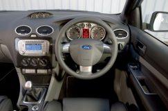 Regim restrictiv pentru şoferii care conduc autovehicule cu volanul pe dreapta