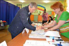 Premierul Dacian Cioloș votează duminică la Zalău și PNL, și USR