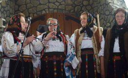 Iubitorii tradițiilor populare au participat la șezătoarea de la Bădăcin