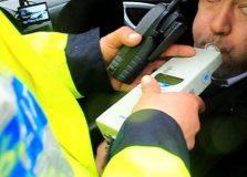 Șofer prins de polițiști conducând autoturismul sub influența alcoolului