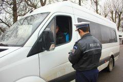 Transportul de persoane: nereguli pe bandă rulantă, descoperite de poliție