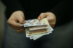 Şapte categorii de contribuabili vorprimi bani înapoi
