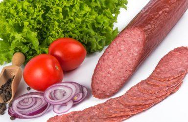 Topul salamurilor: procentul de carne din mezelurile pe care le cumpăraţi