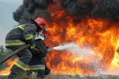 Utilaj agricol distrus de foc în Crişeni