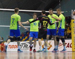 Încă trei săptămâni de vacanţă pentru voleibaliştii campioanei României