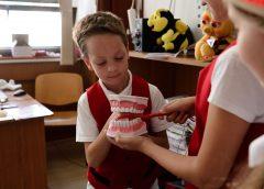 Copiii sălăjeni învaţă să aibă grijă de sănătatea dinţilor