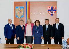 Comisarul european Corina Creţu şi ministrul Rovana Plumb s-au întâlnit cu autorităţile judeţene
