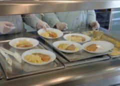 """Programul """"Masa caldă"""" se extinde la alte trei școli din județ"""
